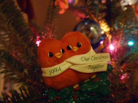 08 Kissing Birds Ornament