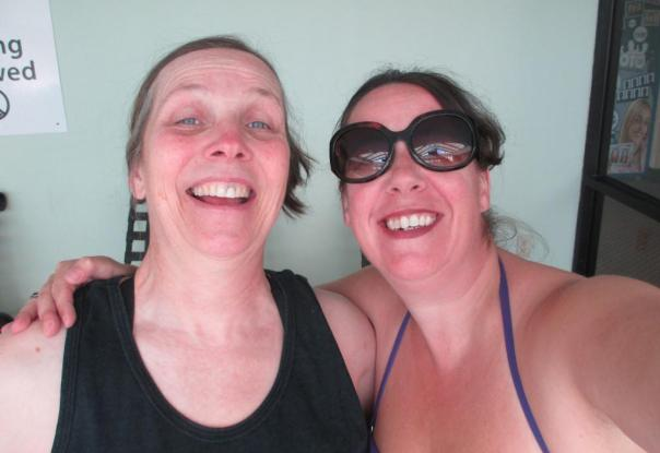 48 8Pi-Con Me and Justine Graykin: ready for THE PANEL IN THE POOL!