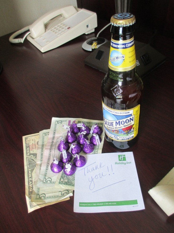 64 8Pi-Con …and we Broads know how to leave a good tip (if I were cleaning a room I'd be psyched to get 21 bucks, chocolate, and a beer!)
