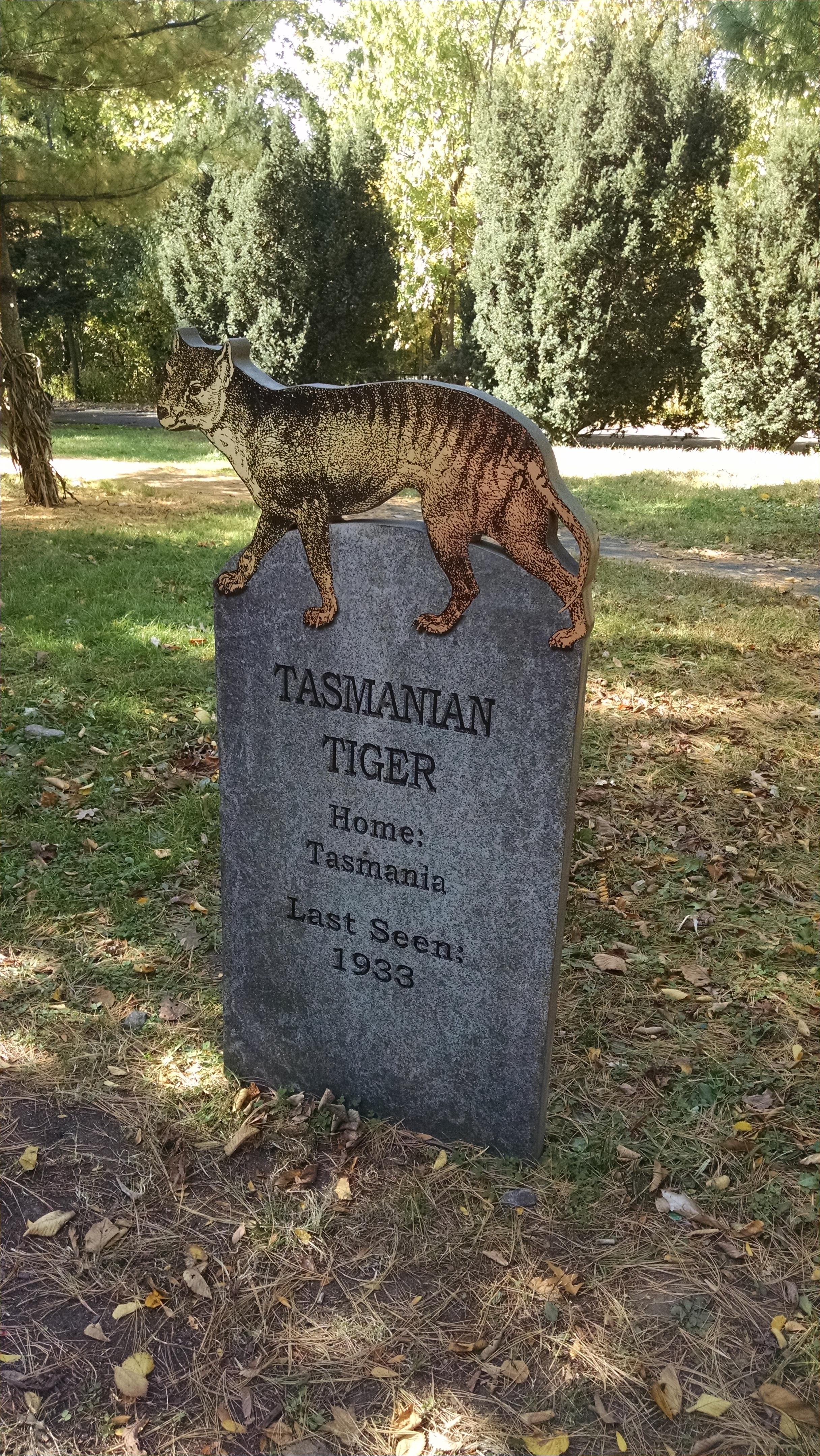 The Bronx Zoo S Extinct Species Graveyard Kristi Petersen Schoonover