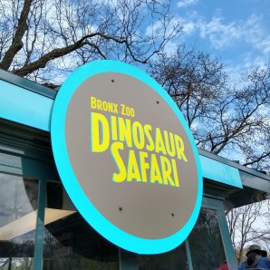 Dinosaur Safari ride sign
