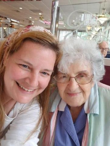 Missie and Del Duchess Dineraunt West Haven 2019